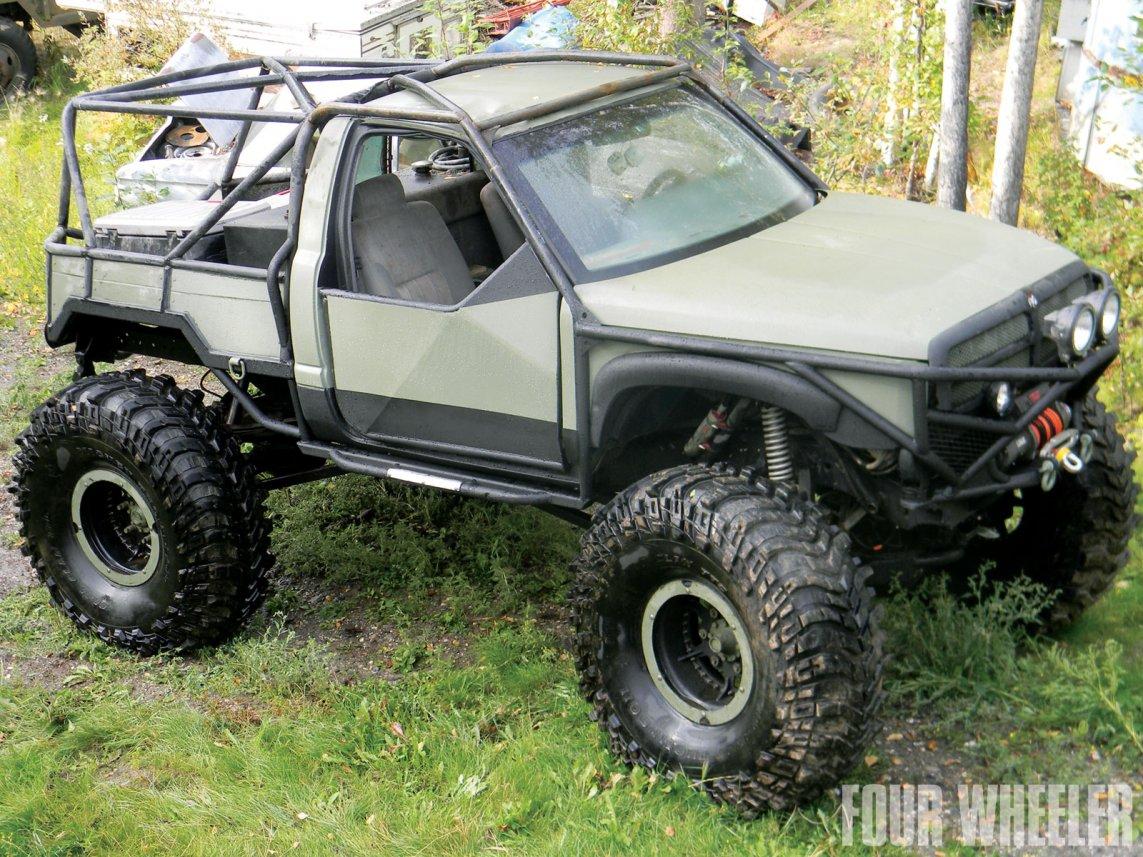 0129_1204_02-2012_top_truck_challenge_challengers-1997_dodge_ram_1500.jpg