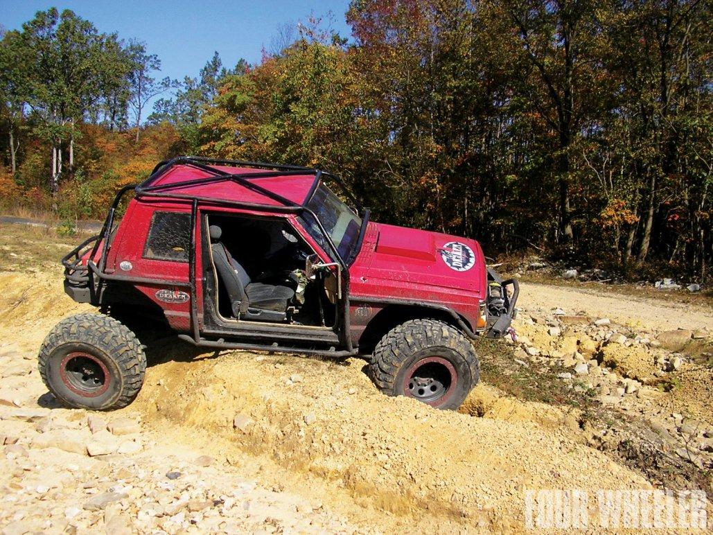 0129_1204_06-2012_top_truck_challenge_challengers-1985_jeep_cherokee.jpg