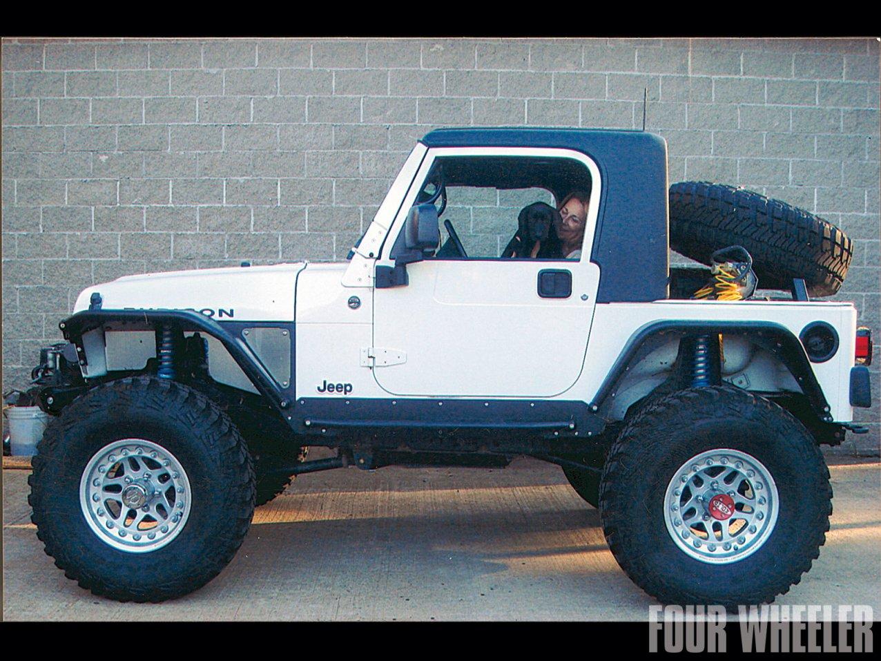 0129_1204_13-2012_top_truck_challenge_challengers-2006_jeep_wrangler.jpg
