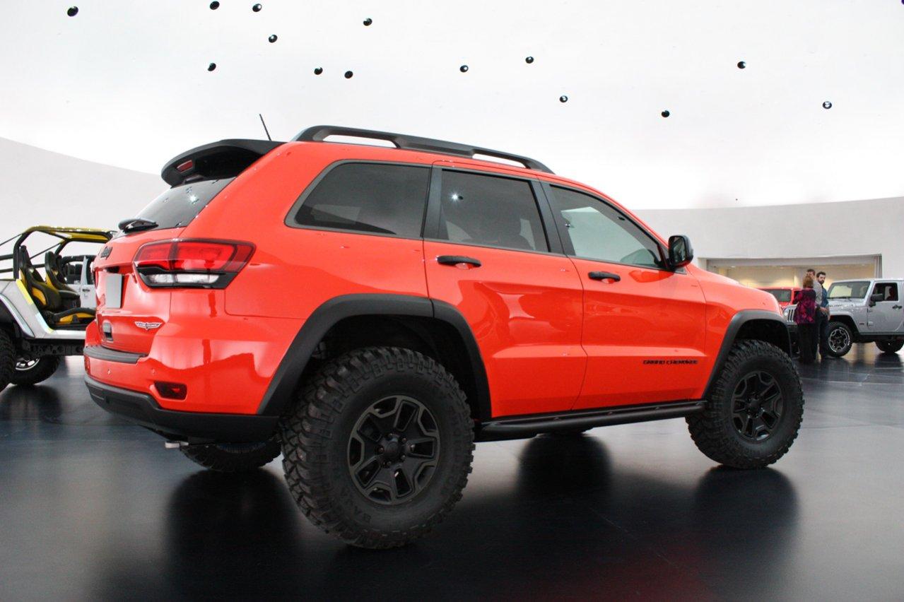 03-jeep-grand-cherokee-trailhawk-ii-concept.jpg