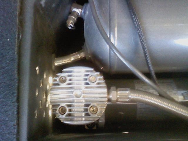 0720111835-02-air-pump.jpg