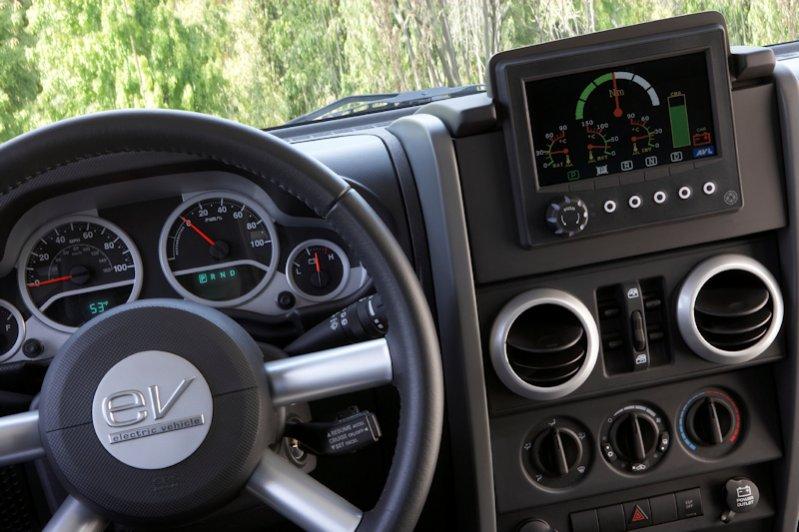 080923-jeep_ev_interior-09.jpg