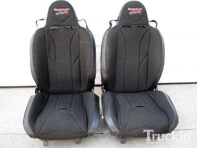 0911tr_04_z-mastercraft_baja_rs_race_seat_installation-racing_seats.jpg