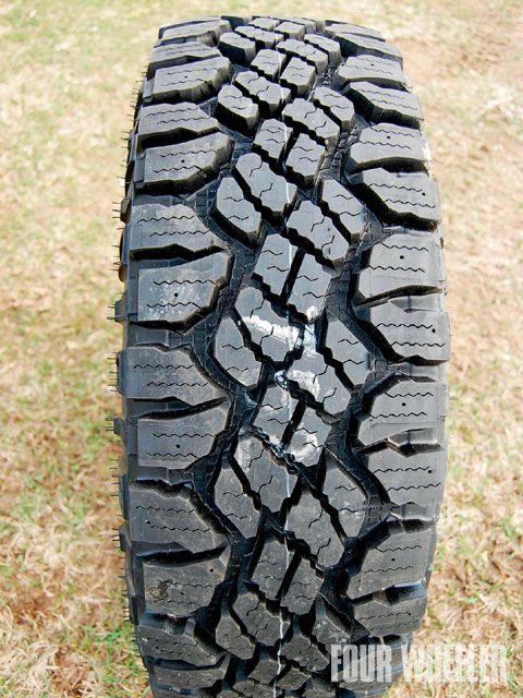 129_0908_13_z-4x4_truck_tire_tech-goodyear_wrangler_duratrac.jpg