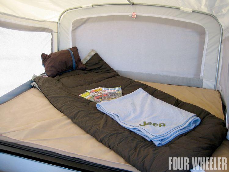 129_1010_03_o-129_1010_trailer_for_trails-bed_sleeping_bag.jpg