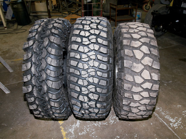 131_0712_03_z-bfgoodrich_km2_mt_tires-compare.jpg