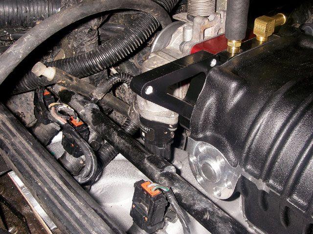 131_0803_09_z-40l_jeep_xj_cherokee-throttle_body.jpg