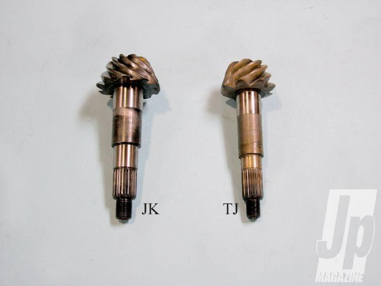 154_1004_07-new_mopar_jeep_axles-pinion_shafts.jpg