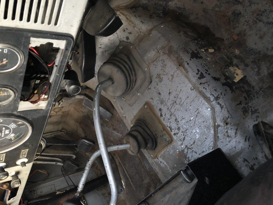 Shift boot with SM465 - JeepForum com