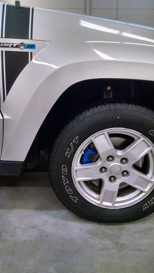 2005-jeep-wk-caliper-paint-4.jpg