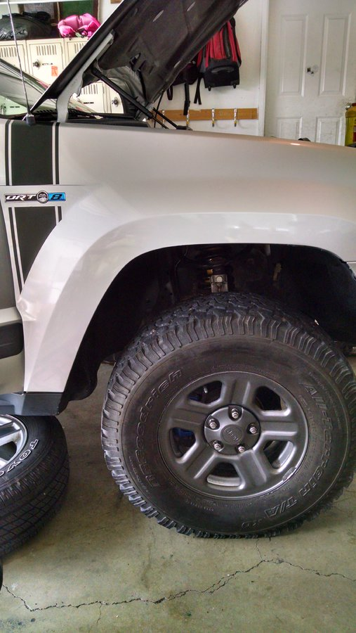 2005-jeep-wk-ome-hd-lift-front.jpg