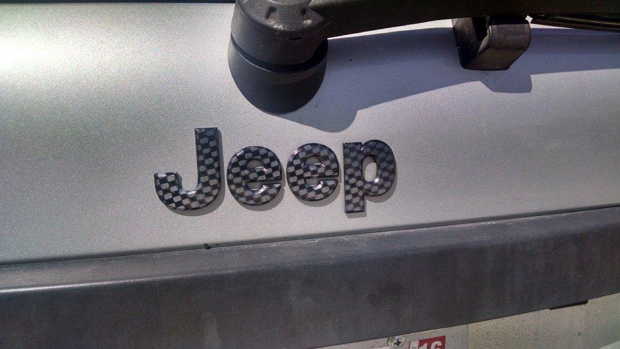 2005-wk-carbon-fiber-jeep.jpg