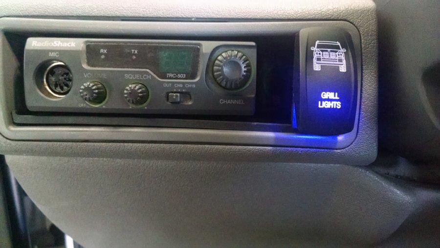 2005-wk-cb-light-switch-3.jpg