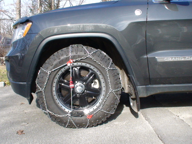 2011-jeeep-wheels-chains-feb13-005.jpg