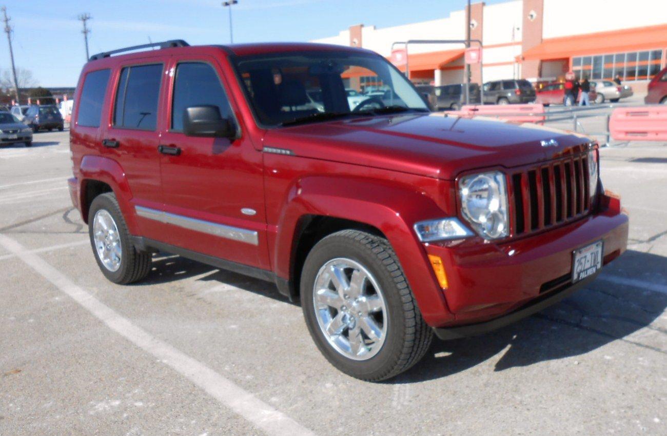 2012-jeep-liberty1-001.jpg