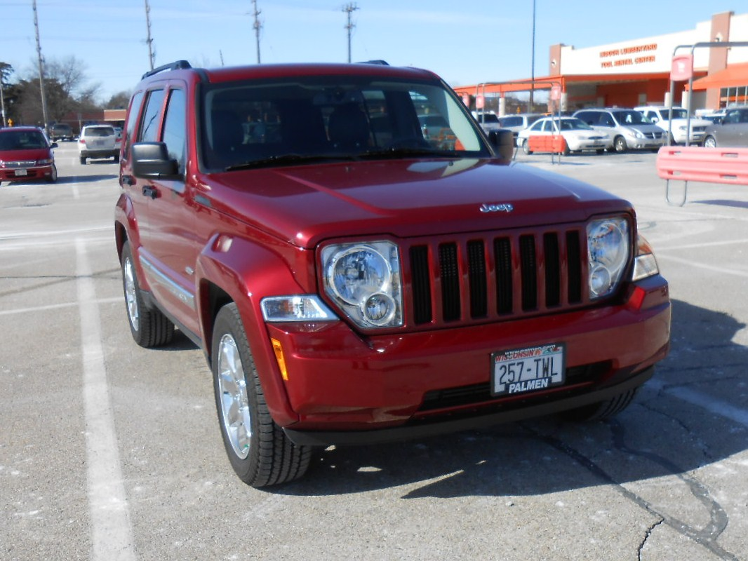 2012-jeep-liberty1-002.jpg