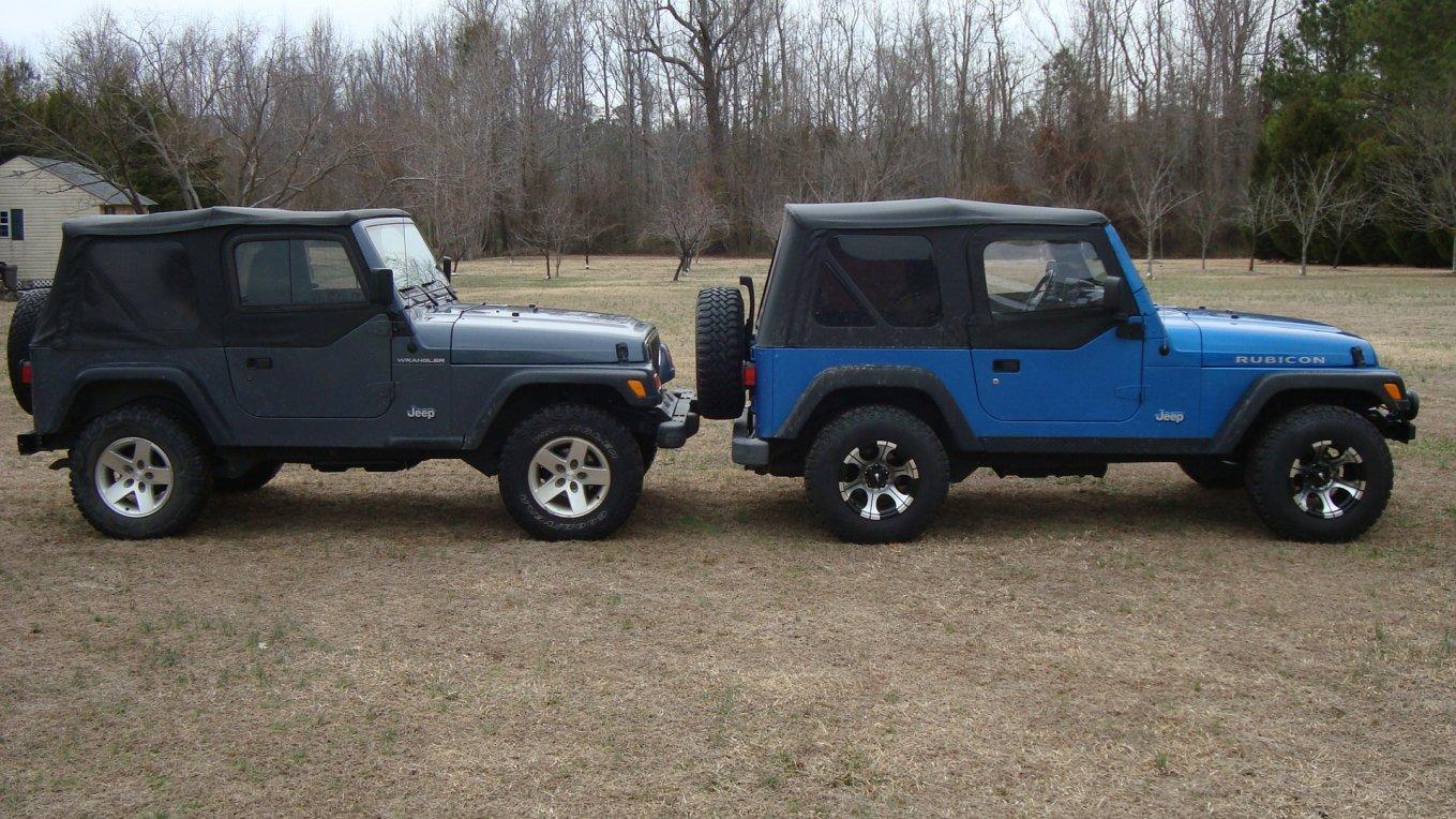 3-jeeps-001.jpg