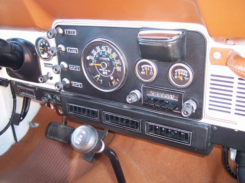 81_jeepcj7_laredo_046.jpg