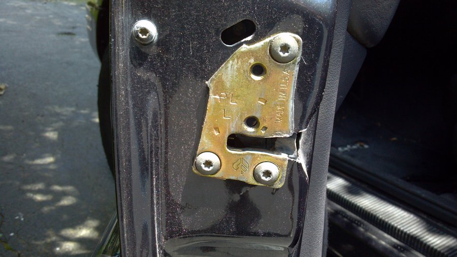1998 Jeep Grand Drivers Door Latch Failure Jeepforum Com