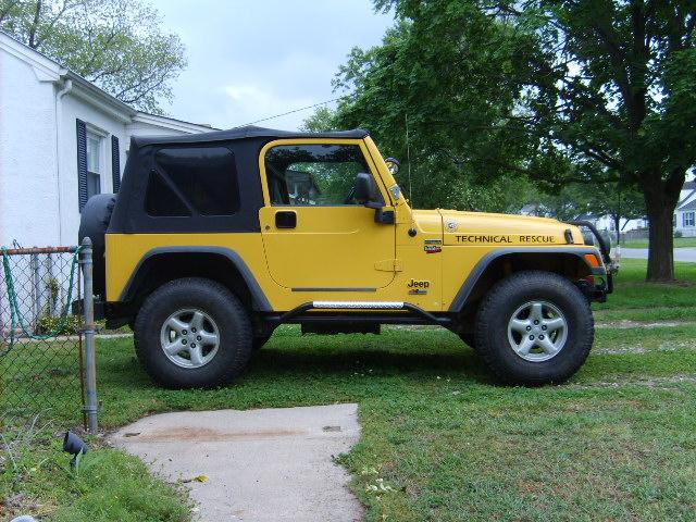 bulldog-jeep001.jpg