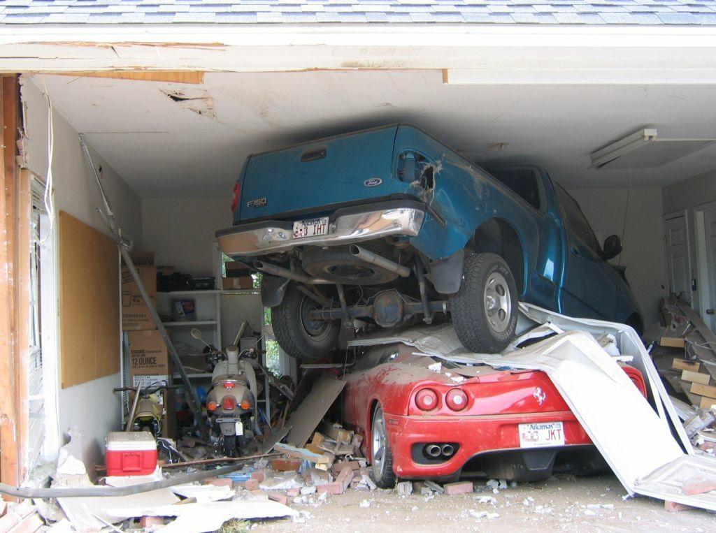 car-crash-garage.jpg