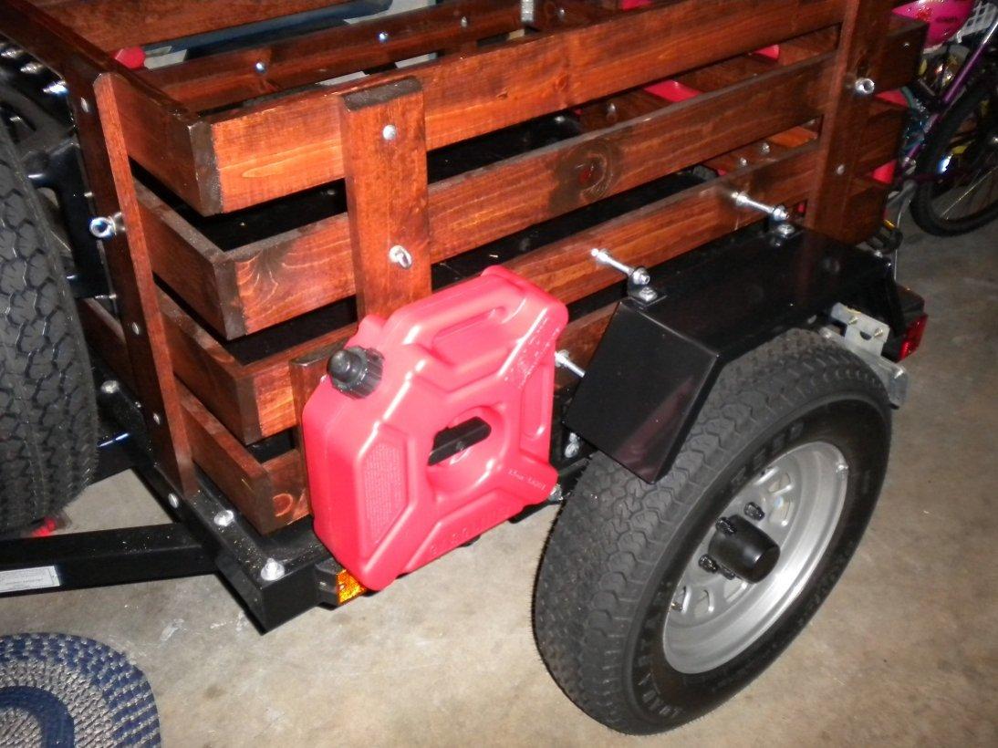 cat-trailer-cans-avon-jeep-020.jpg