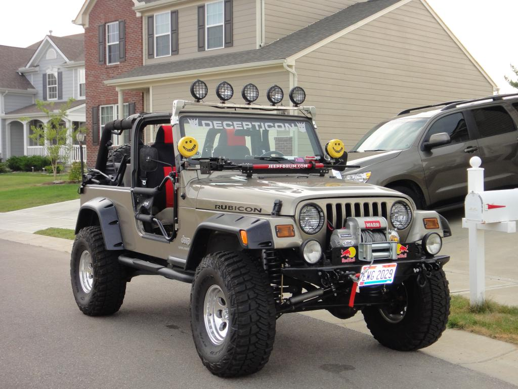 decepticon-jeep.jpg