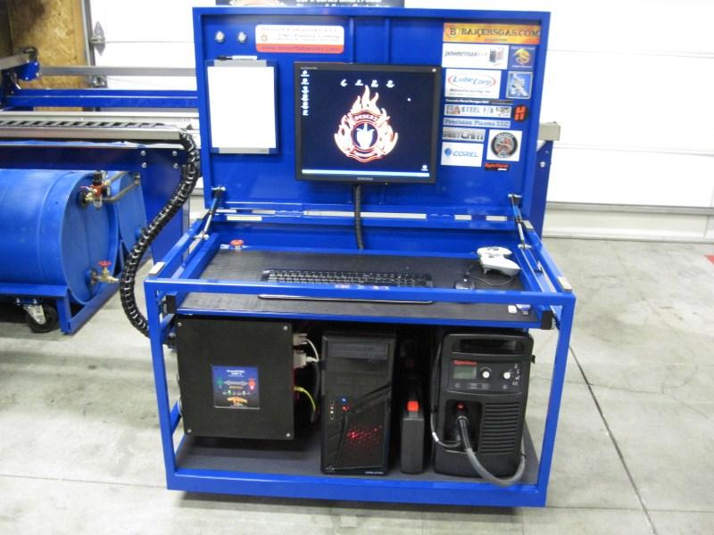 desert-fabworks-computer-cart-plasma.jpg