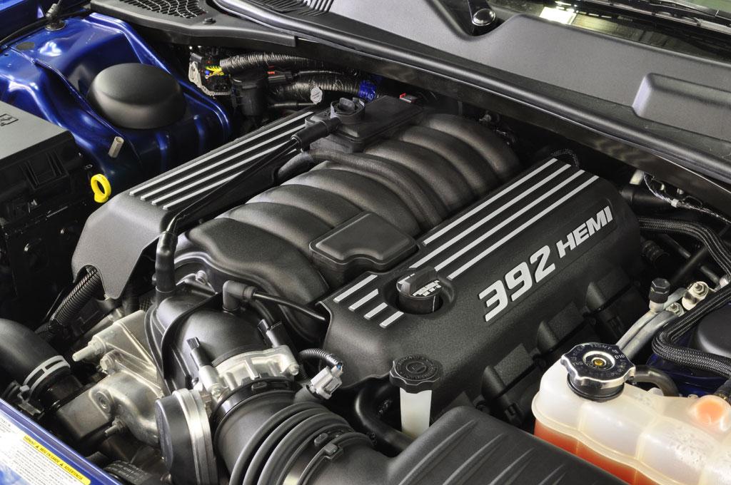 dodge-challenger-srt8-392-2011-engine-view.jpg