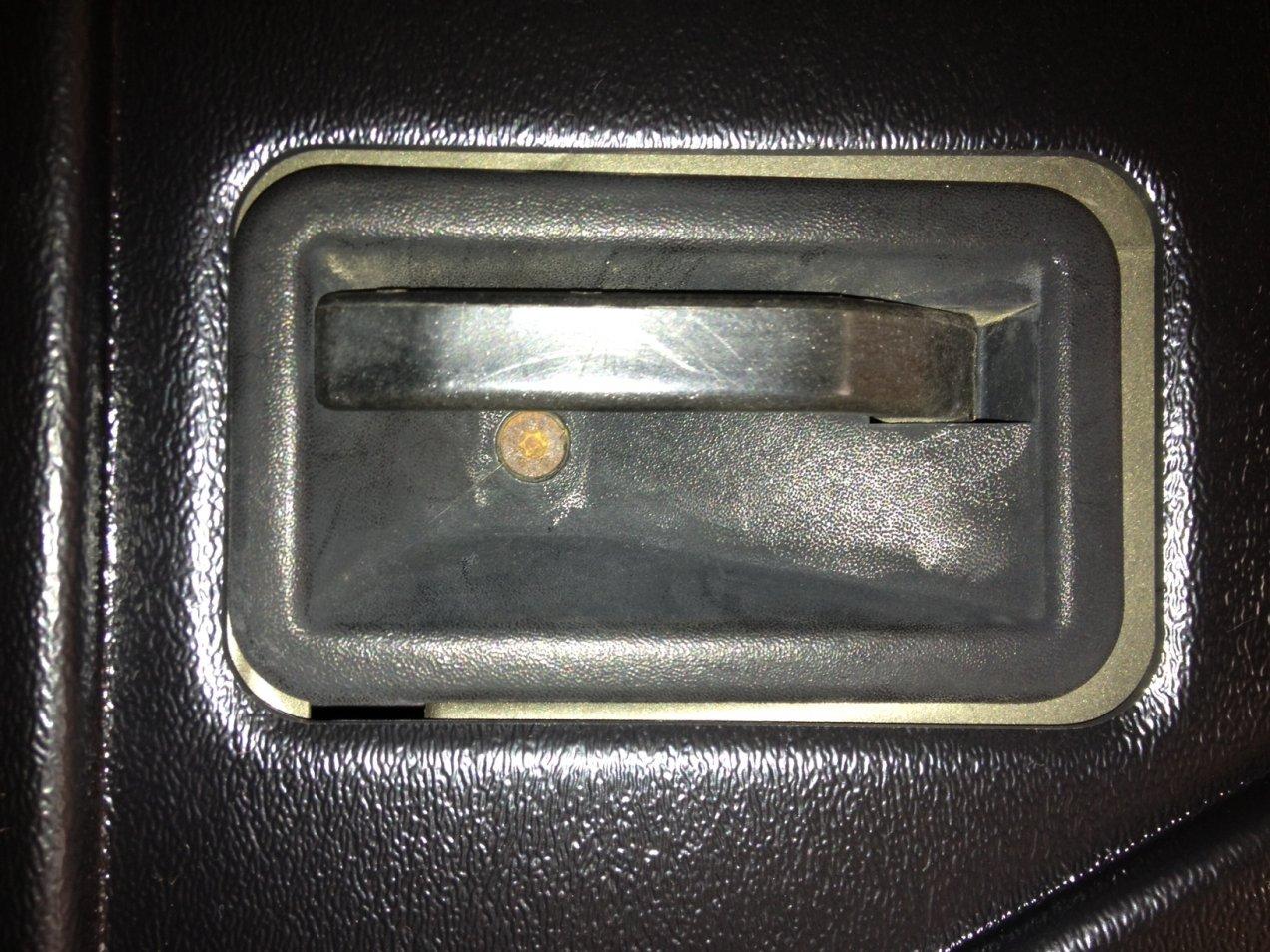 door-handle-1.jpg