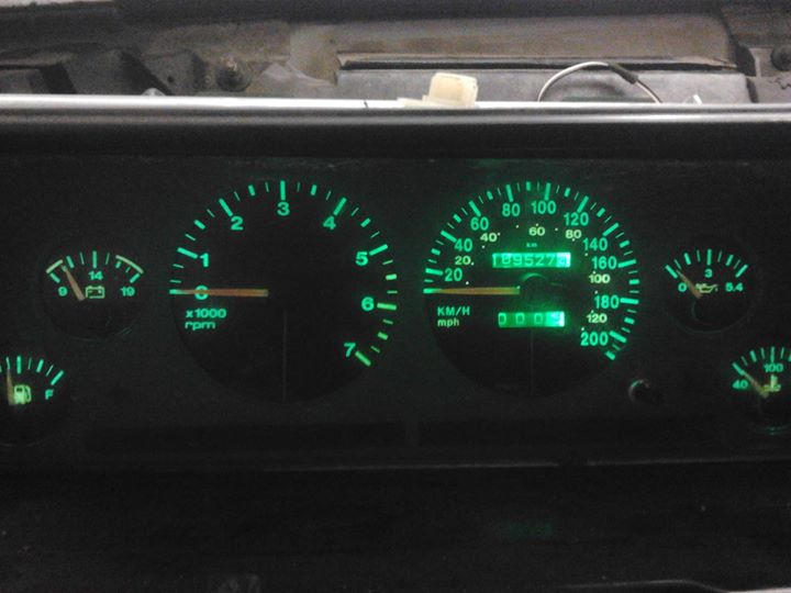 green-dash-lights.jpg