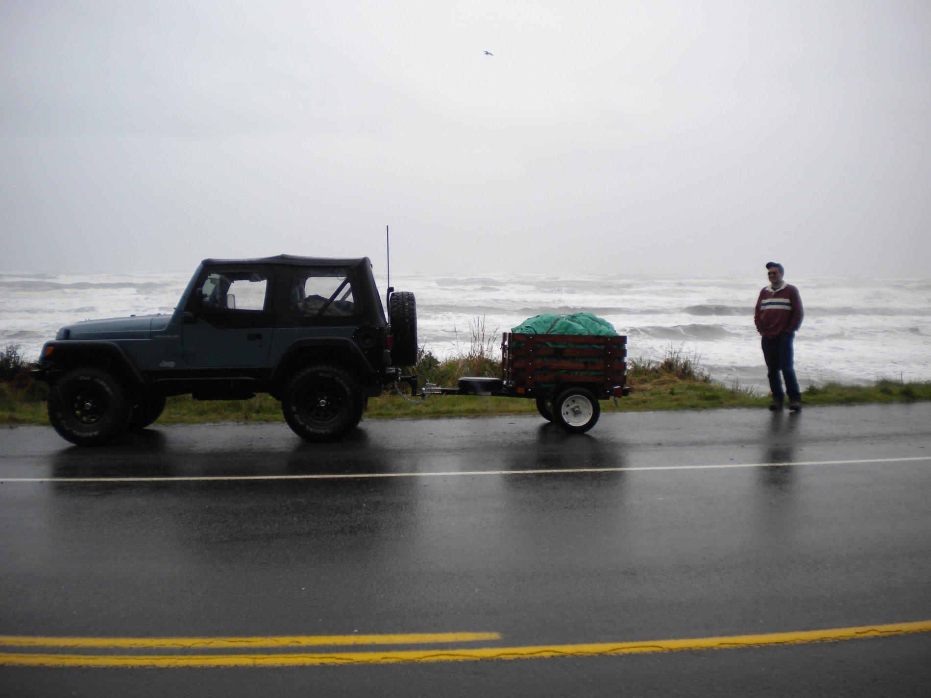 jeep-beach.jpg