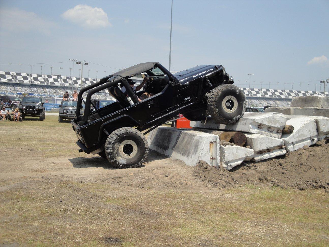 jeep-beach-577.jpg