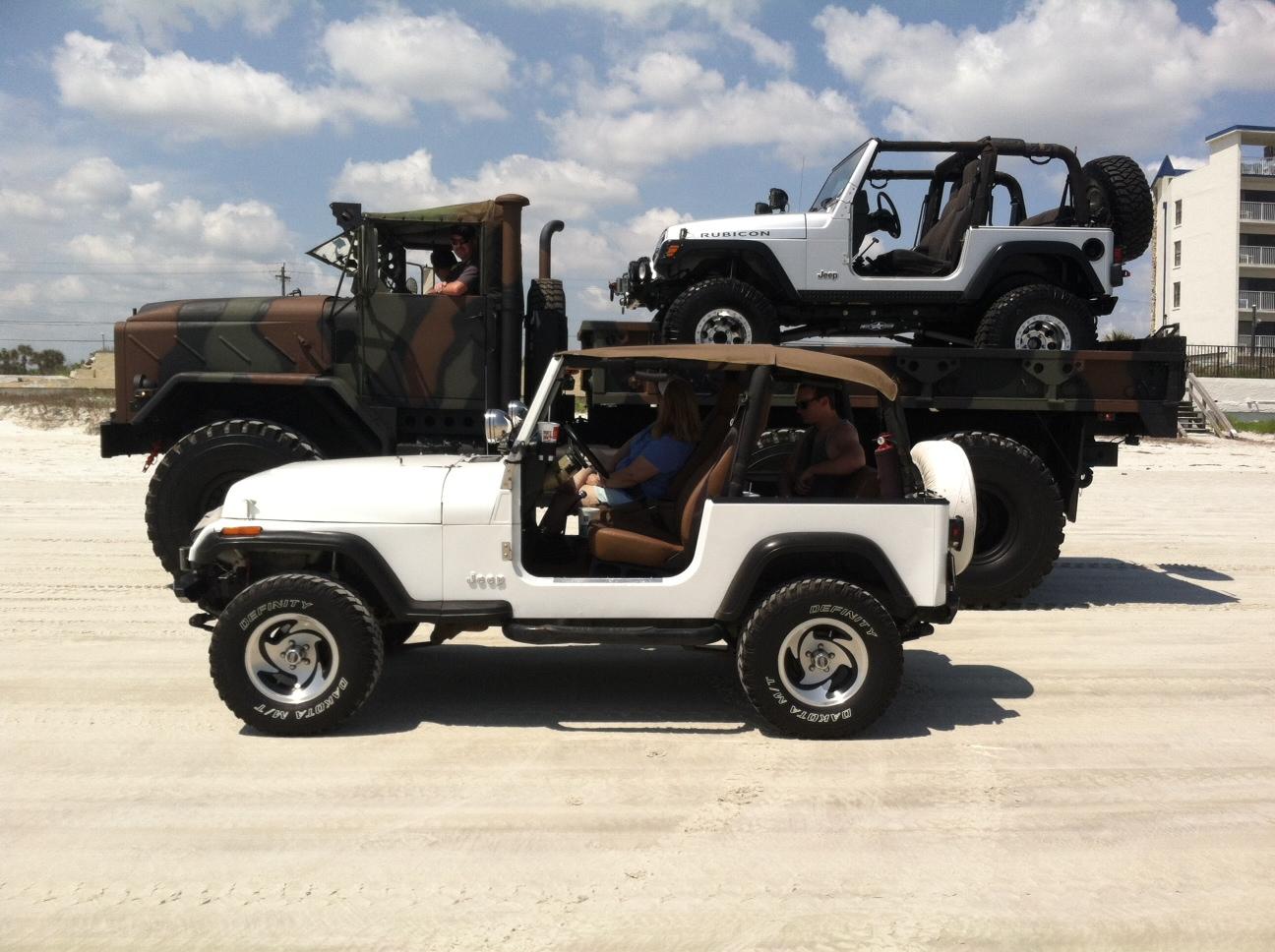 jeep-beach3.jpg