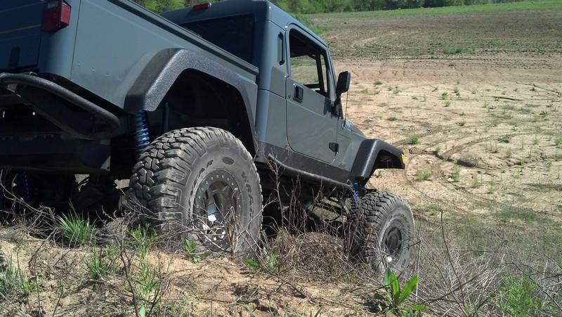 jeep-brute-113-.jpg