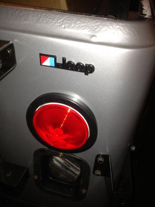 jeep-emblem.jpg