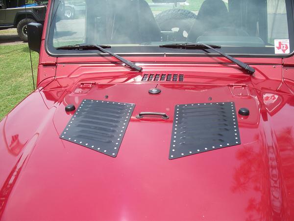 jeep-hood-louvers-2.jpg