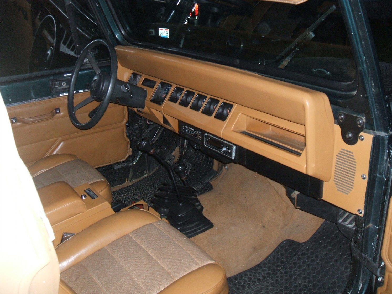 jeep-inside-far.jpg