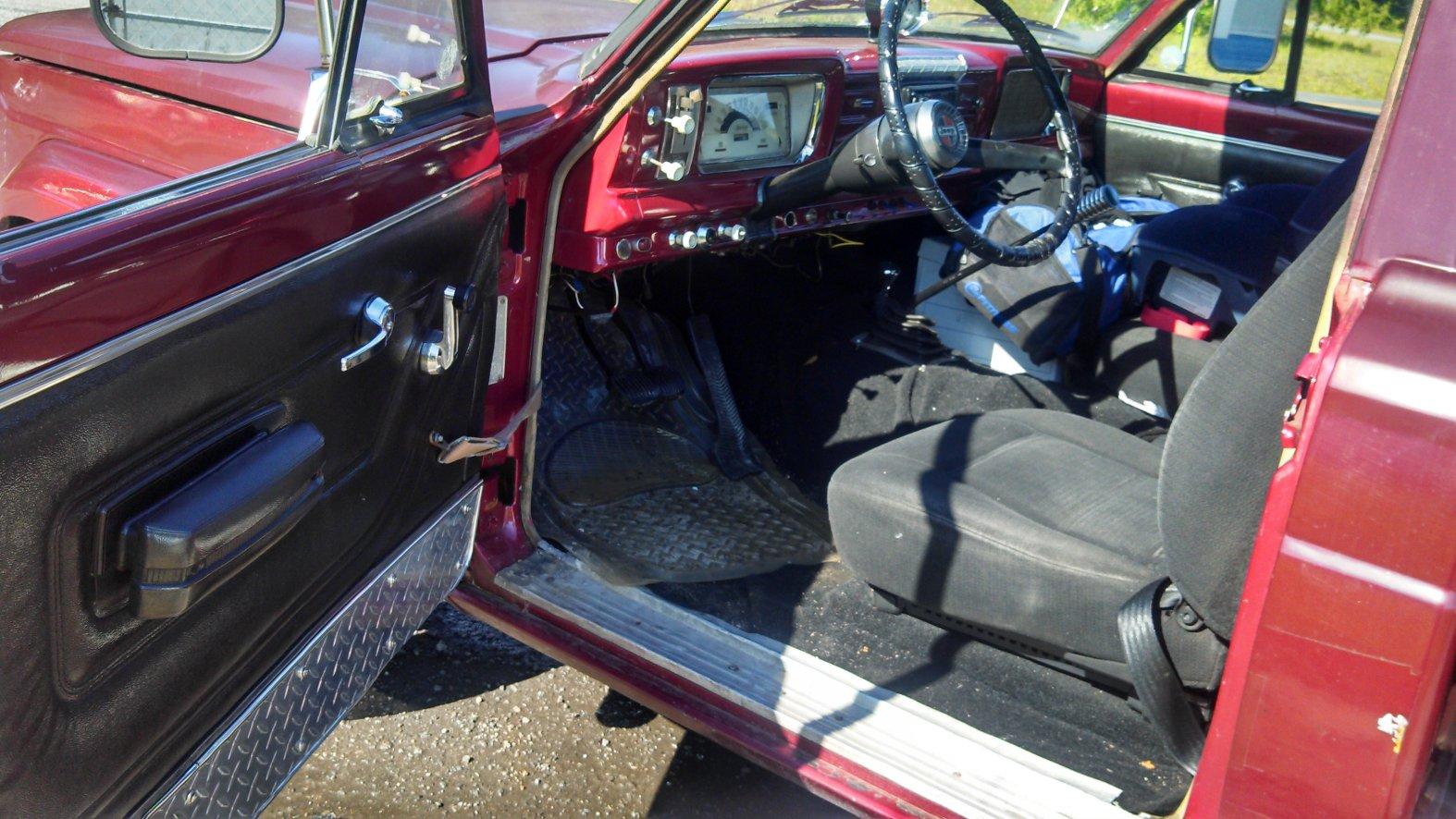 jeep-interior-big.jpg