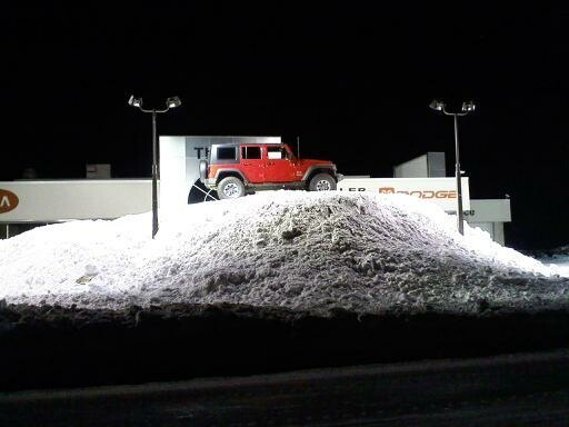 jeep-jk-snowhill.jpg