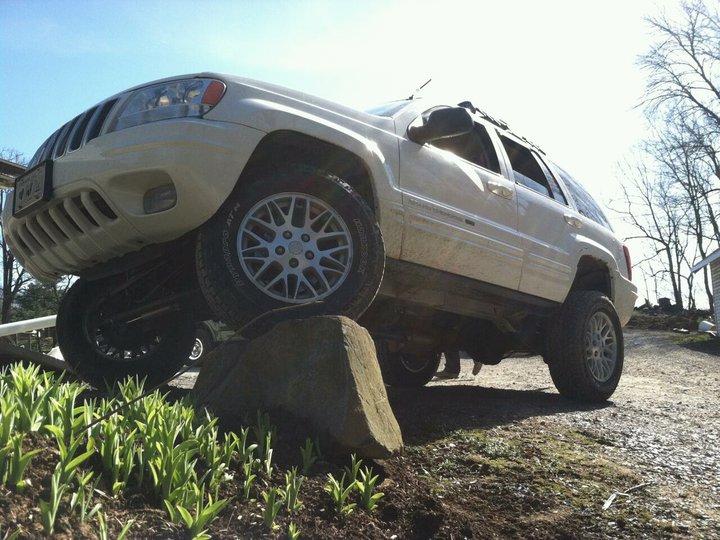 jeep-rock.jpg