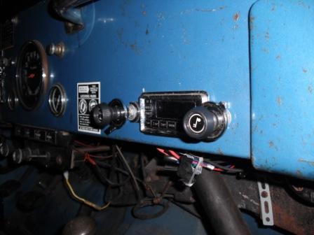 jeep-radio-009.jpg