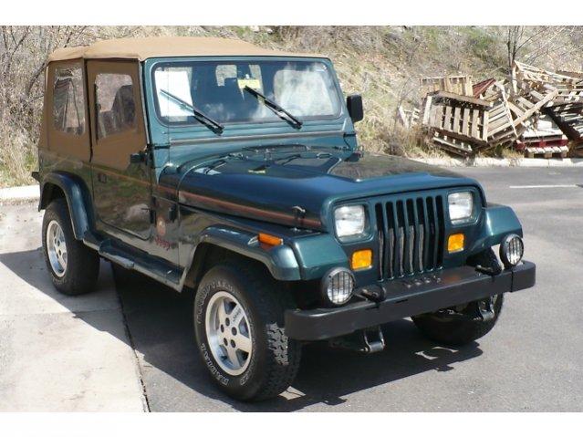 jeep-sahara-93-6.jpg