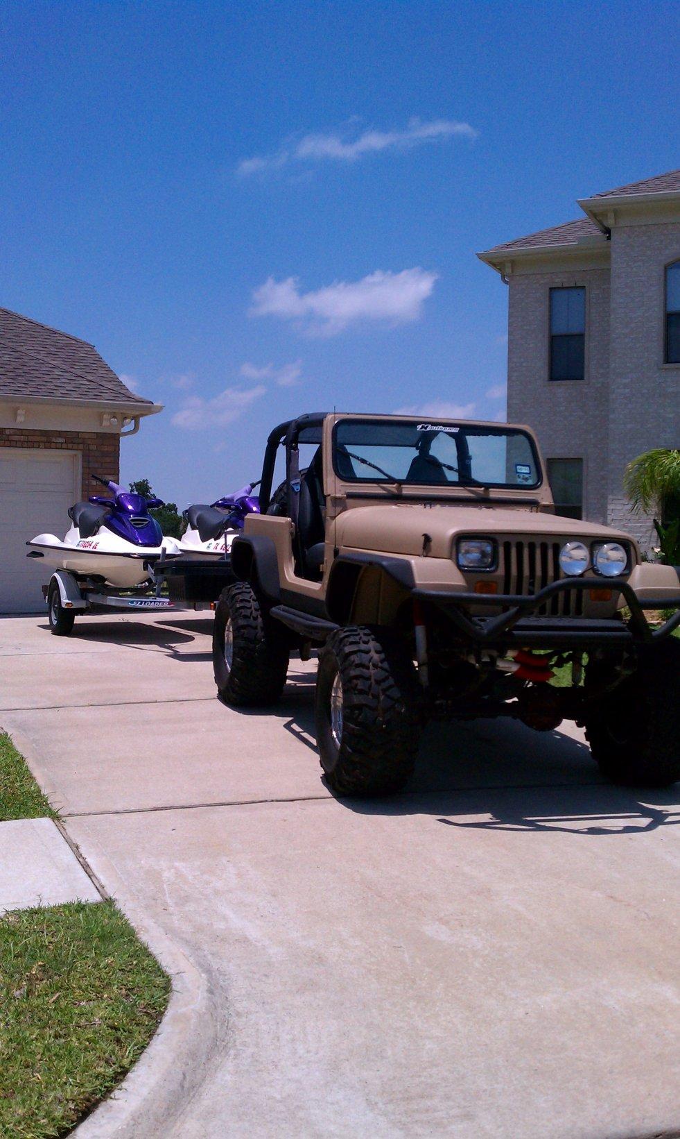 jeep-skis.jpg