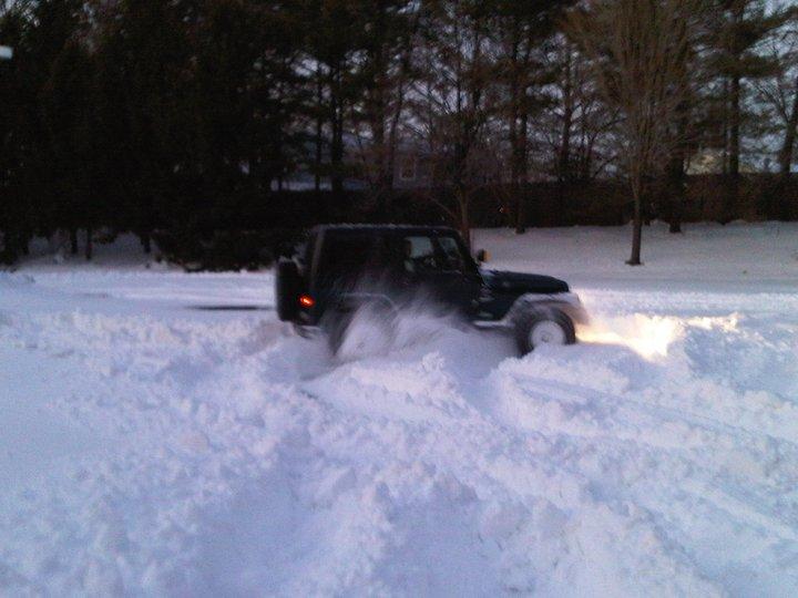 jeep-snowin.jpg