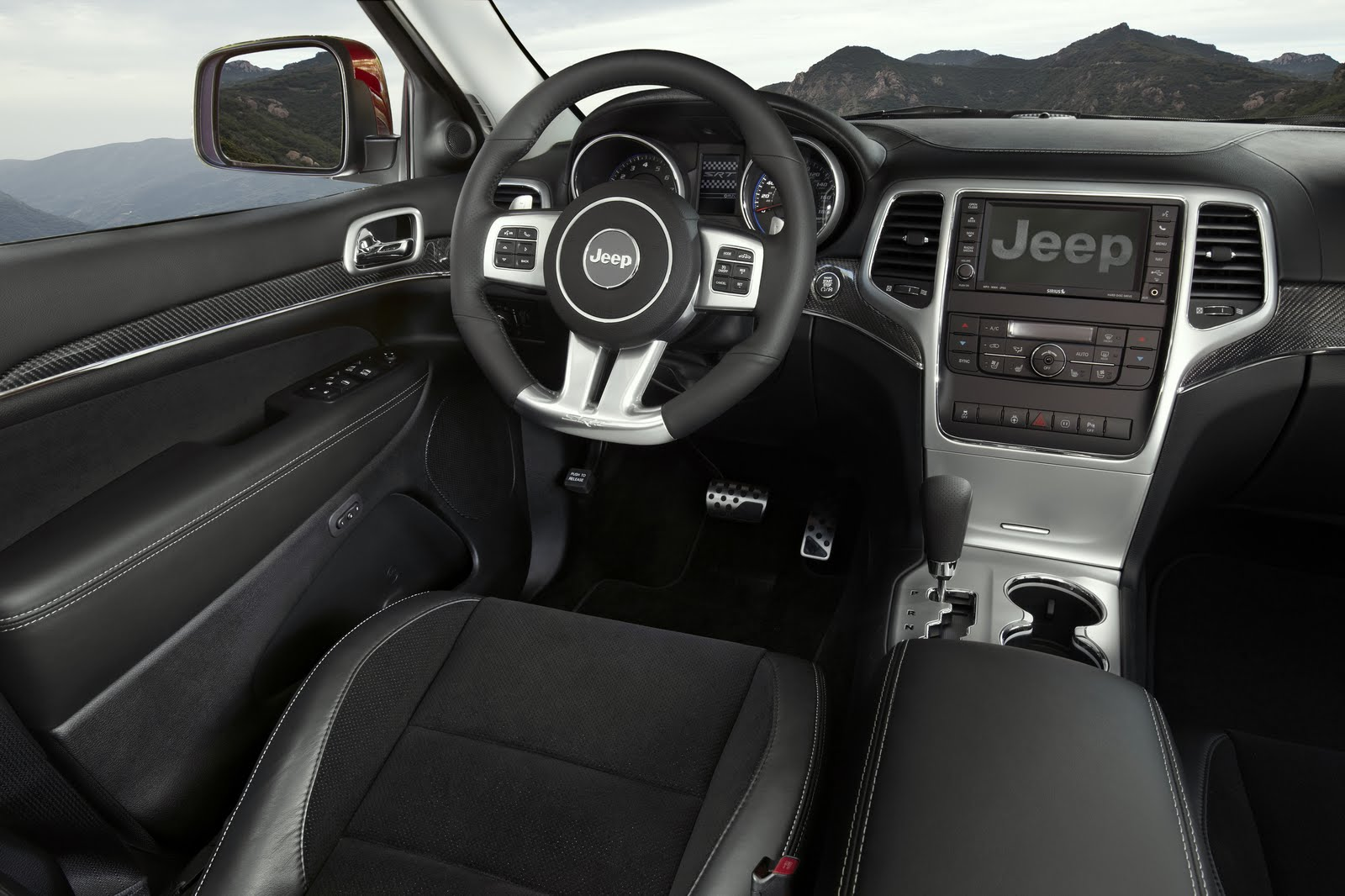 jeep-srt8-dash.jpg