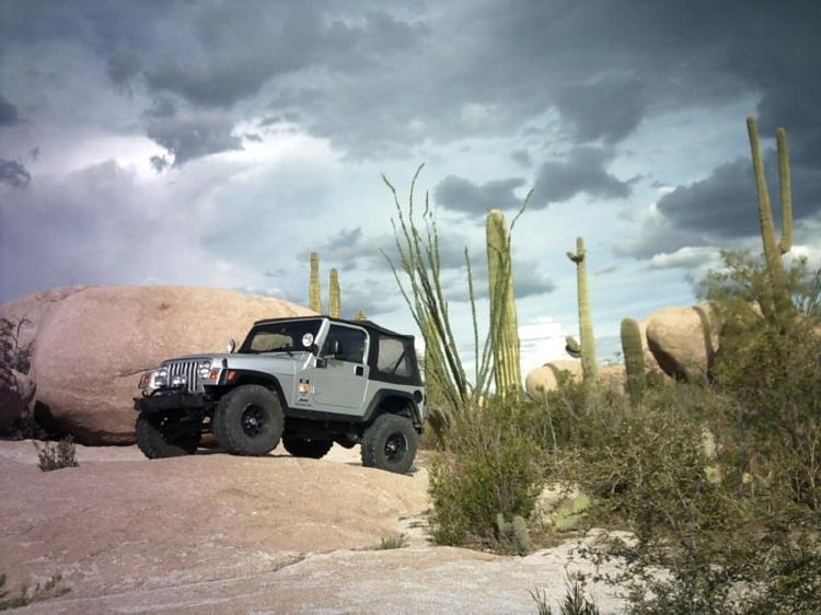 jeep-storm4_e.jpg
