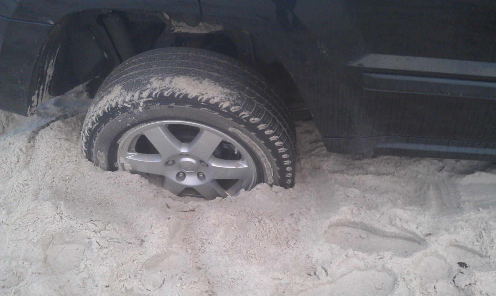 jeep-stuck-tire-1-.jpg