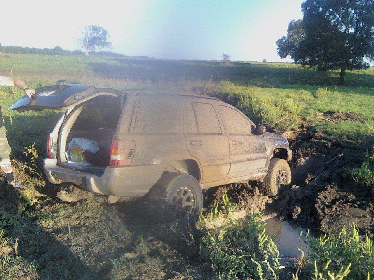 jeep-stuck2.jpg