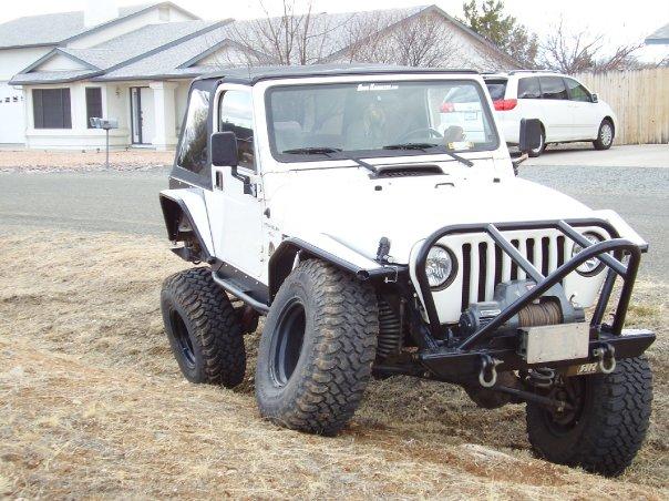 jeep-white-black-flare-4.jpg